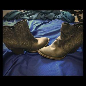 Short Gray Cowboy Boots